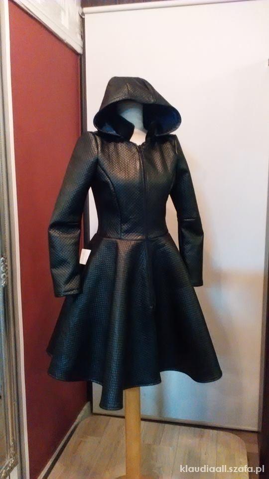 Przepiękny modny płaszcz