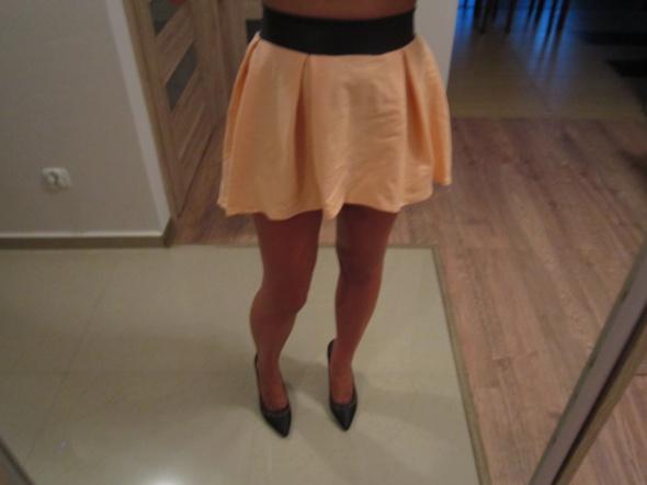 Spódnice Spódniczka asymetryczna