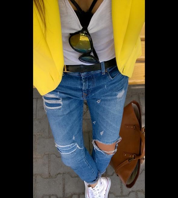 Codzienne Boyfriend Jeans & Yellow Jacket