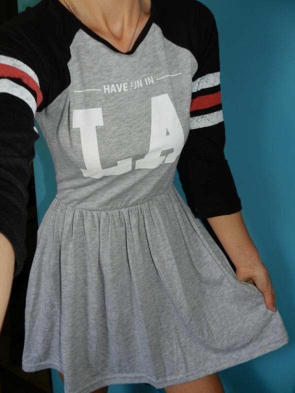 Sportowe sukienka sportowa