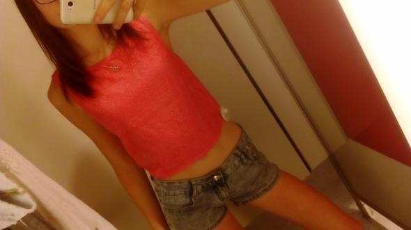 Ubrania bluzka krótka różowa na ramiączkach