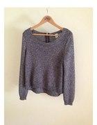 szary sweter przeplatany srebrną nitką H&M
