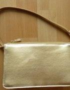Złota torebka kopertówka z paskiem