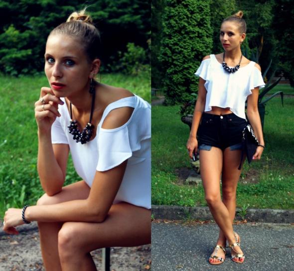 Blogerek White crop top