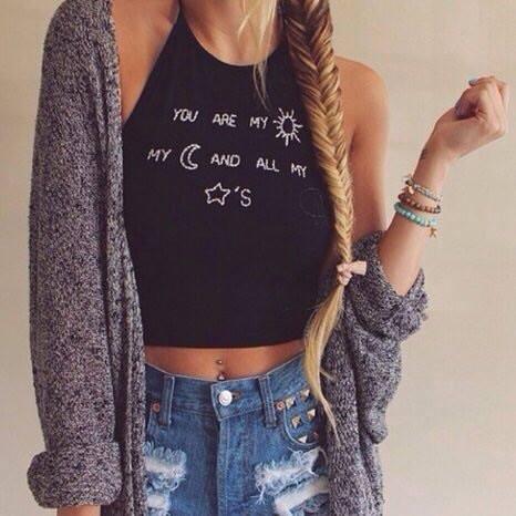 Beżowy długi sweter...
