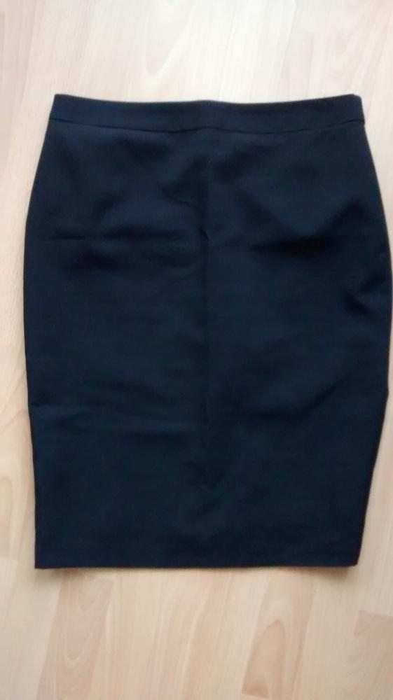 Spódnice Czarna spódnica ołówkowa PAPAYA 40 L