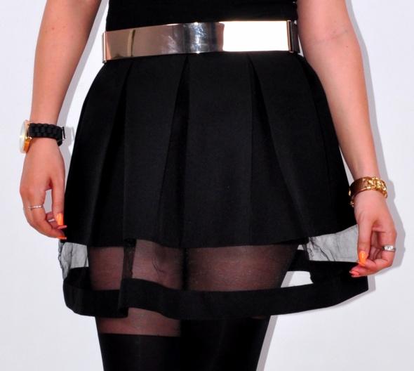Spódnice Spódniczka czarna z tiulem rozkloszowana
