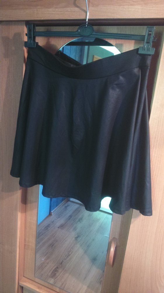 Spódnice Czarna rozkloszowana
