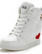 Sneakersy białe skórzane