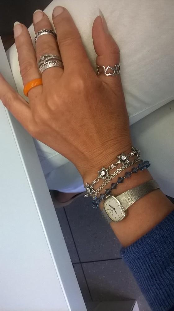 Ręka z moimi sreberkami...