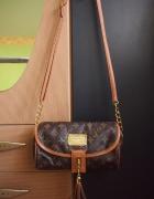 Piekna listonoszka Louis Vuitton...