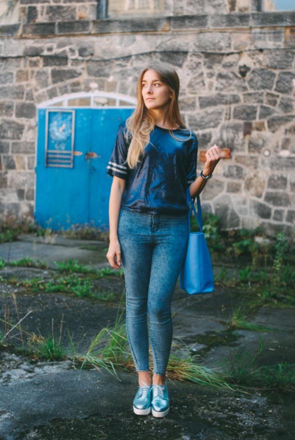 Blogerek Wear blue