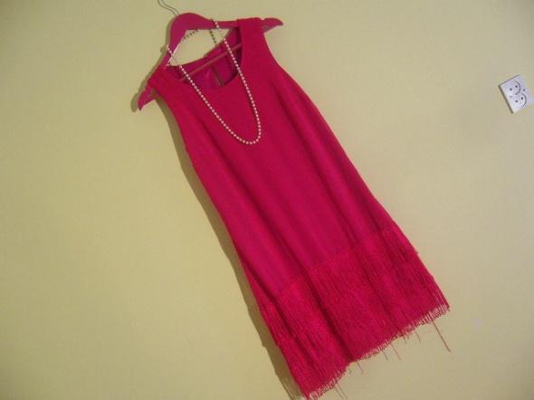 Trapezowa sukienka fuksja 38 frędzle