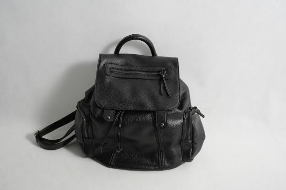 4926bff28df41 Piękny rockowy plecak All Black w Plecaki - Szafa.pl