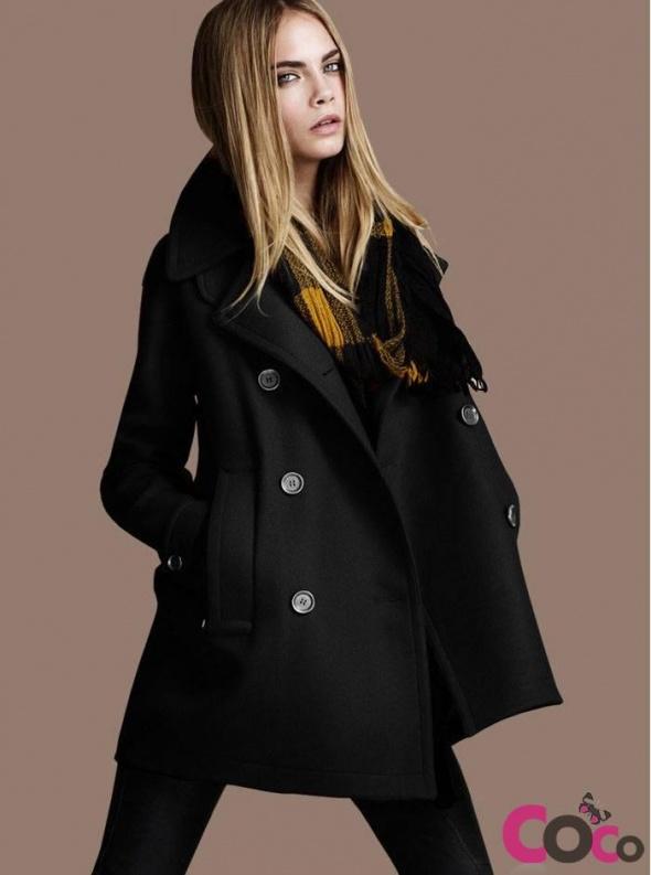 czarny płaszcz CHOiES