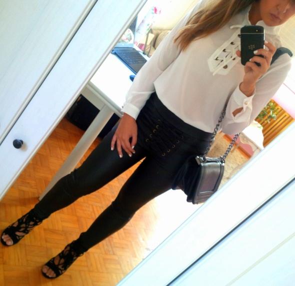 Mój styl Sznurowana koszula