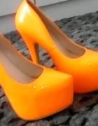 Pomarańczowy neonowy