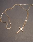 Złoty łańcuszek z krzyżykiem próba 585