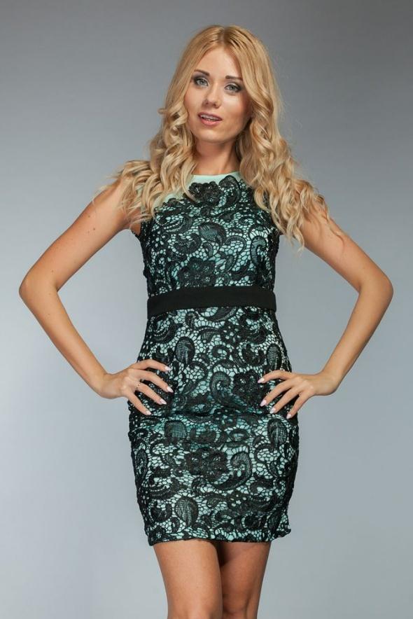 Suknie i sukienki SUKIENKA MINI HAFTOWANA MIĘTOWA S 36