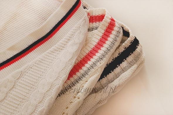 sweterki w stylu V