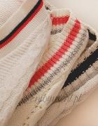 sweterki w stylu V...