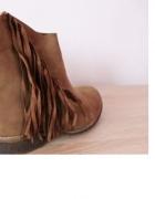 buty botki brązowe frędzle