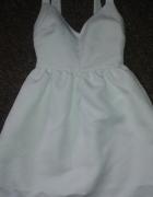 biala rozkloszowana sukienka zara xs...