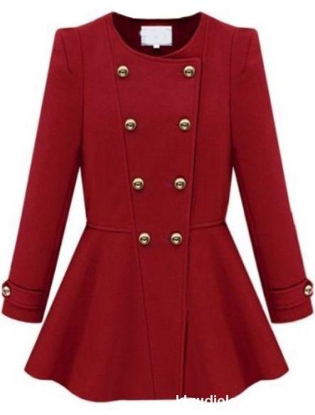 czerwony rozkloszowany płaszcz zara
