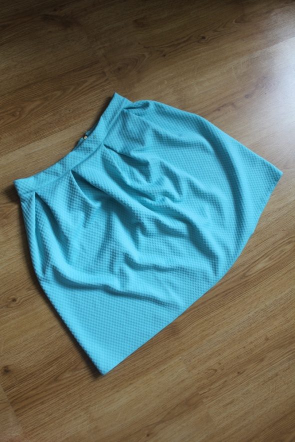 Spódnice miętowa wytłaczana ZIP