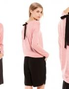 BERSHKA sweterek bluzka KOKARDKA na plecach