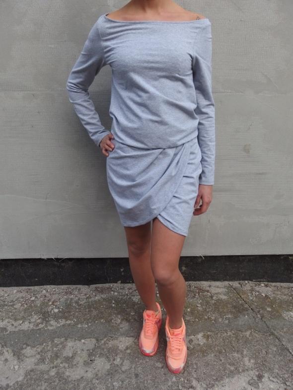 Codzienne szara asymetryczna przekłądana sukienka marszcona