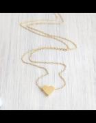 Śliczny nowy łańcuszek naszyjnik z maleńkim sercem