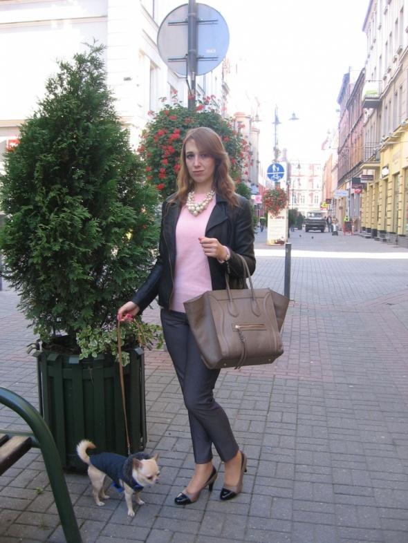 Codzienne Sweter w kolorze pudrowego różu