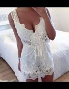 azurowa koronkowa biała sukienka mini dekolt...