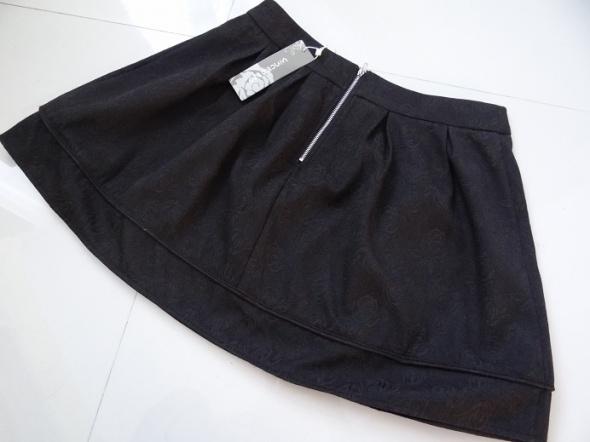 Spódnice Śliczna rozkloszowana spódniczka CZARNA NOWA L XL