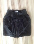Spódnica czarna bombka