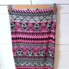 Ołówkowa spódnica New Look azteckie wzory neon S