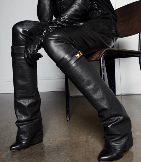 Kozaki model Givenchy
