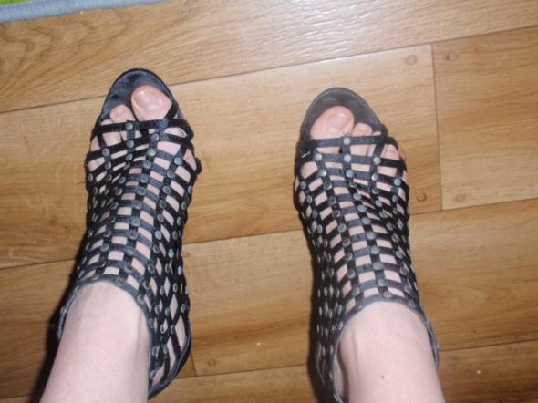 mega sandałki