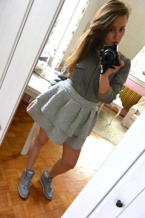 Codzienne grey