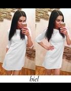 biała prosta sukienka z pianki...