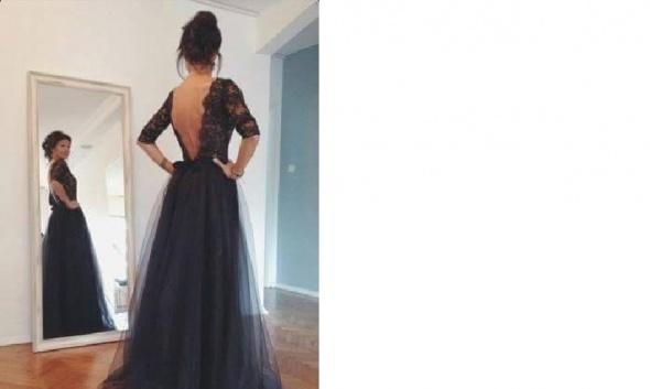 Sukienka rozkloszowana z koronką