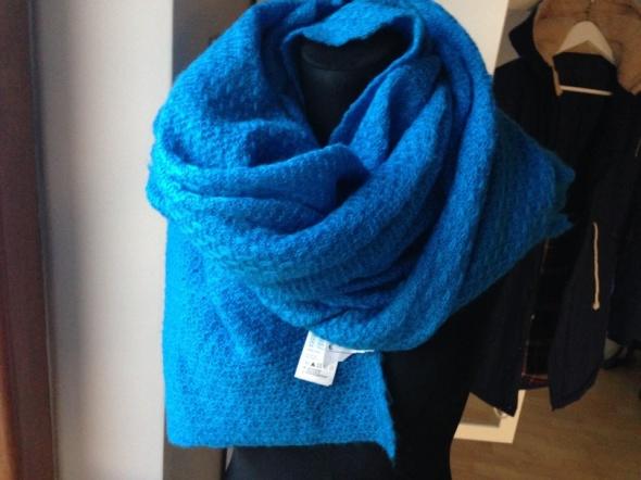 Chusty i apaszki szal H&M niebieski duży