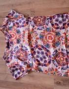 Bluzka kolorowa wzór bershka stradi zara h&m 36 34