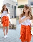 Pomarańczowa spódnica...