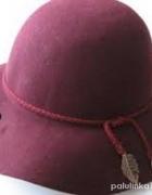 Bordowy burgundowy kapelusz H&M...