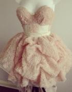 CUDNA PUDROWA sukienka