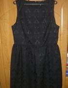 Czarna wytłaczana sukienka XXXL