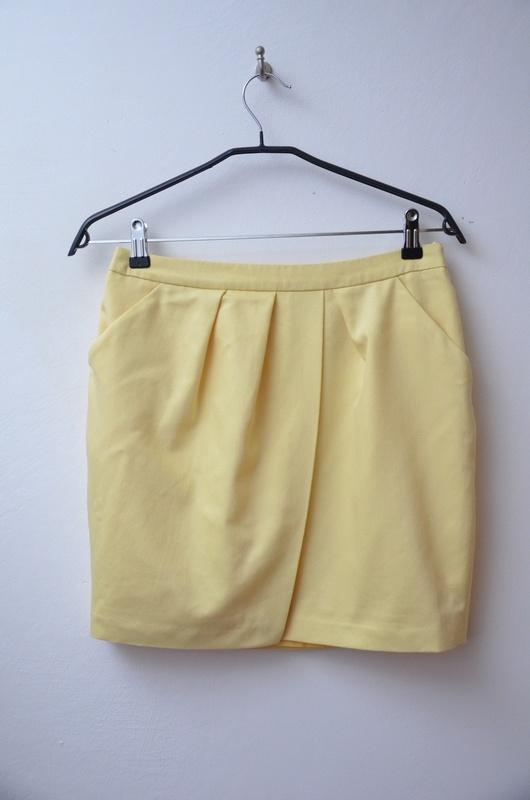 Spódnice Mohito żółta jasna spódnica z kieszeniami 38