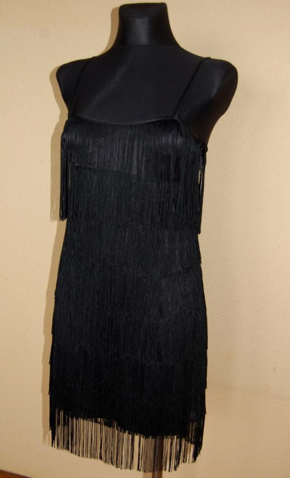 sukienka z fredzlami